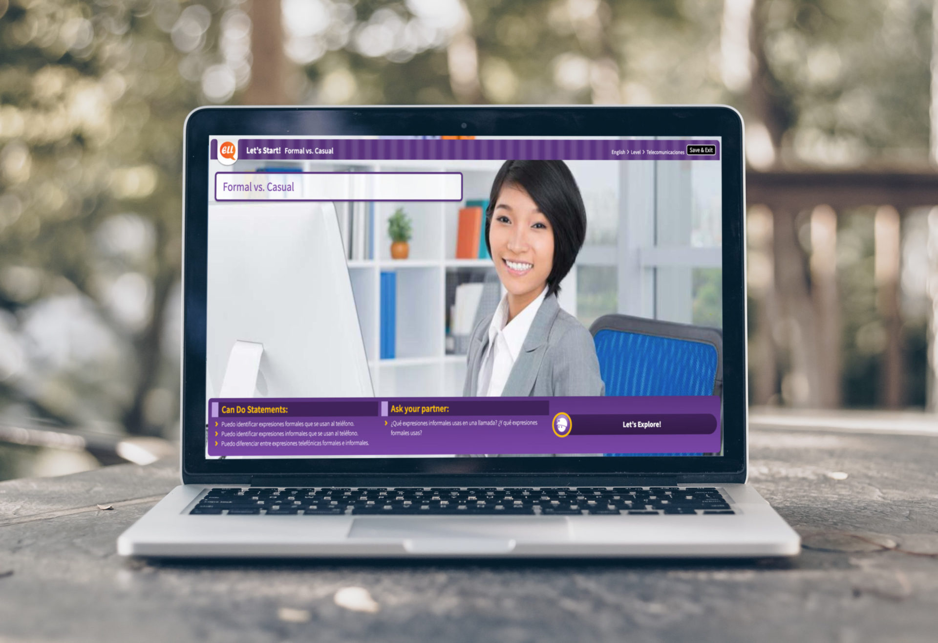 Laptop with Spanish course on screen